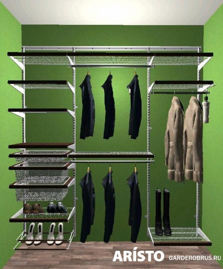 Шкаф для прихожей со штангой и деревянным декором